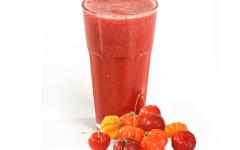 Os 10 Benefícios da Vitamina de Acerola Para Saúde!