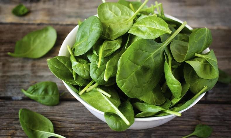 Os 10 Benefícios do Espinafre Para Saúde!